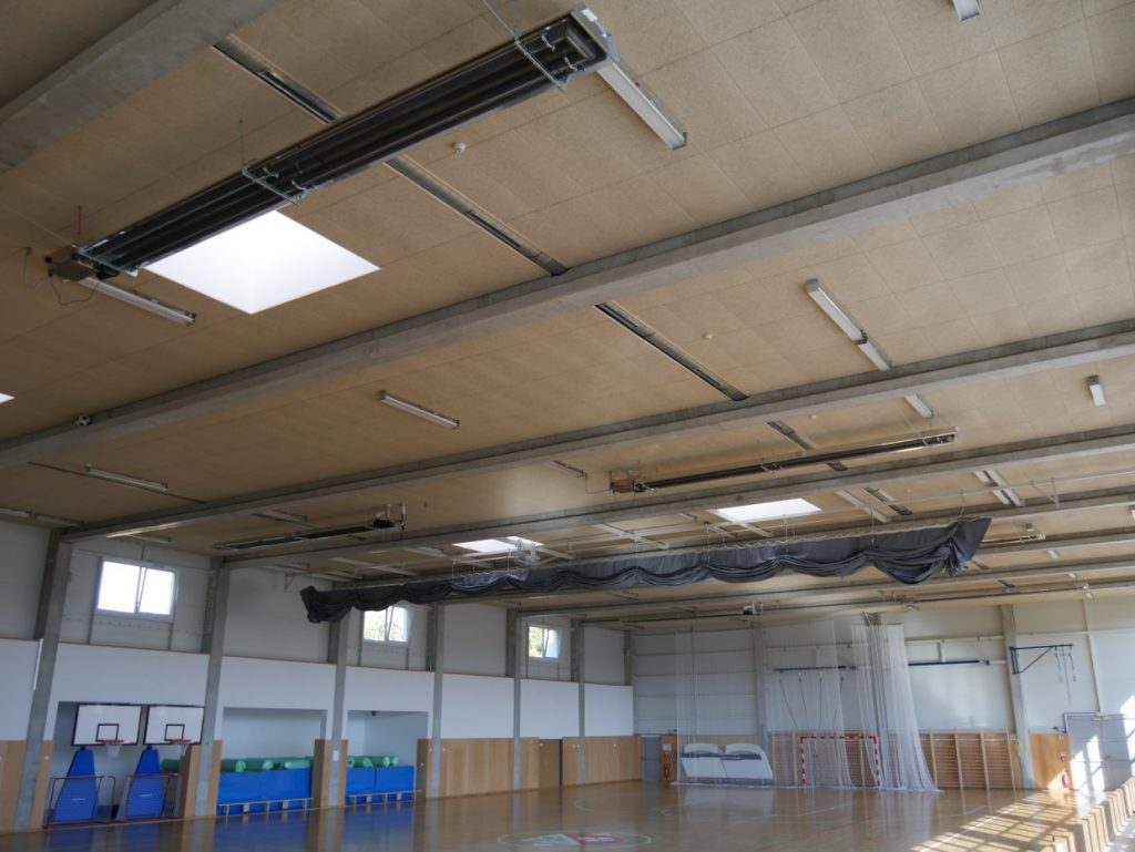 Sportovní hala a tělocvična - vytápění tmavý zářič EURAD